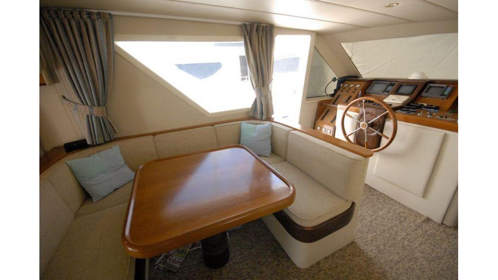 Motoryacht_Axa_(3)