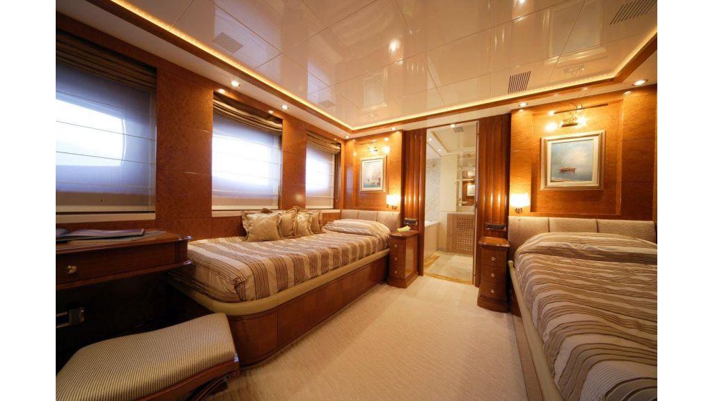 Oceanos Mega yacht (14)