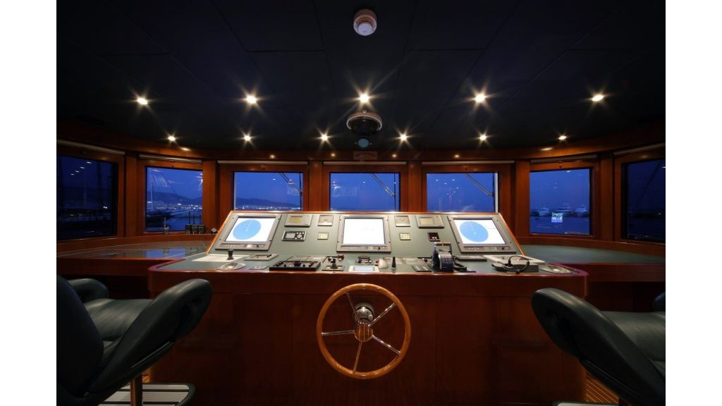 Oceanos Mega yacht (18)