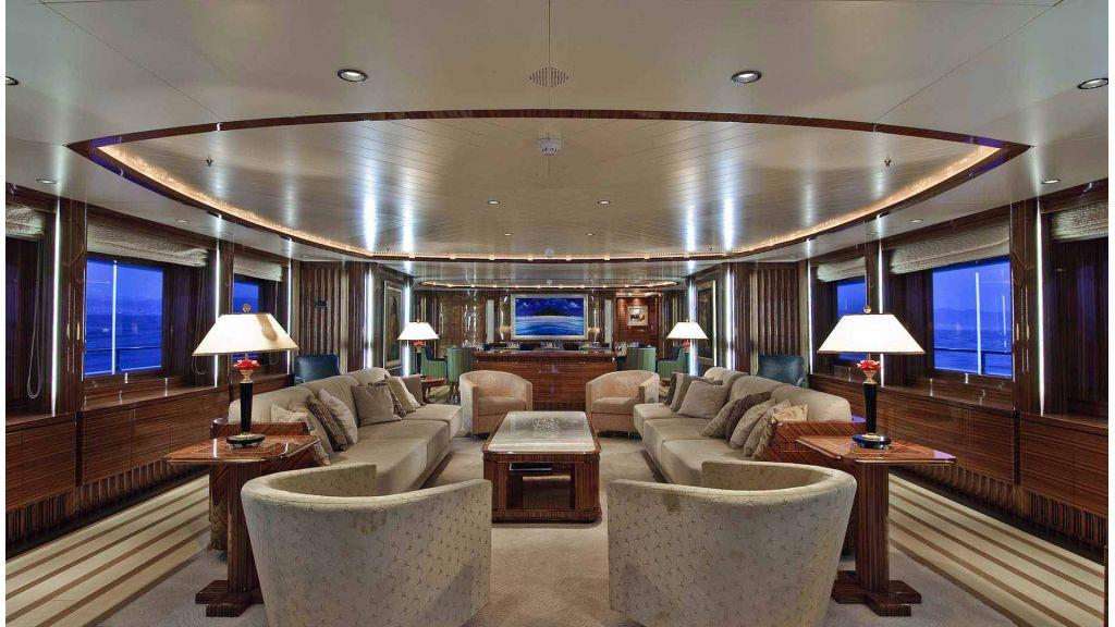Oneiro Motor yacht charter master