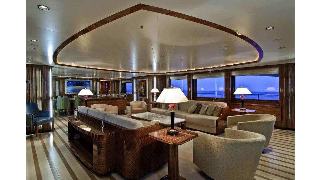 Oneiro Motoryacht charter  (2)