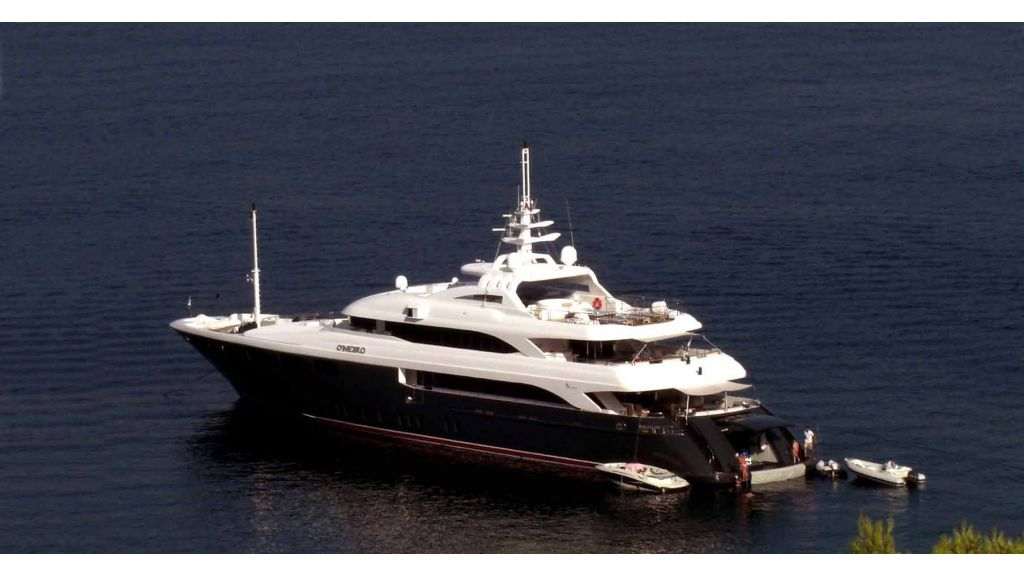 Oneiro Motoryacht charter  (5)