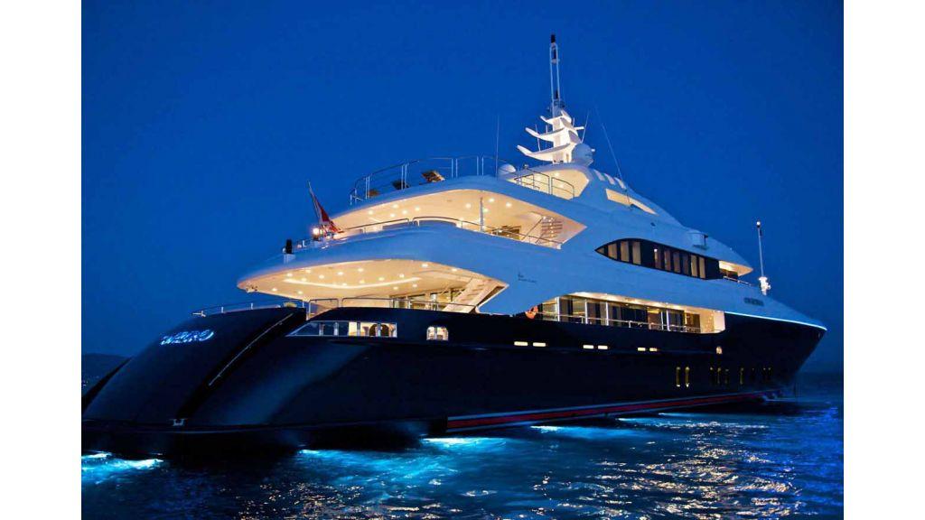 Oneiro Motoryacht charter-master