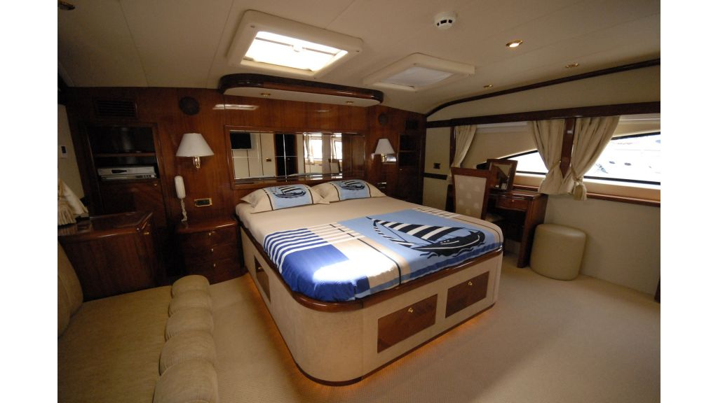 pleasure-motoryacht (4)