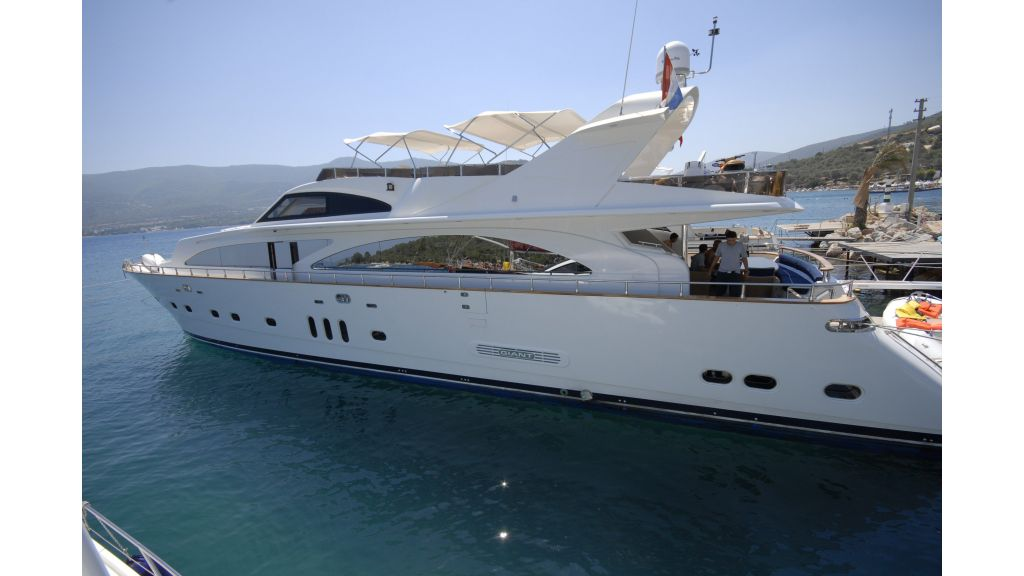 pleasure-motoryacht master