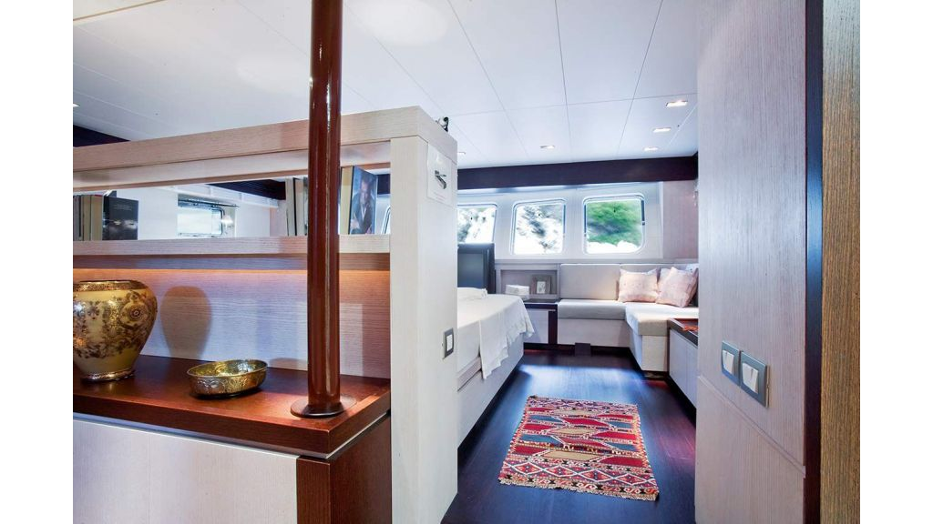 Sailing-Nour-Transom yacht (4)