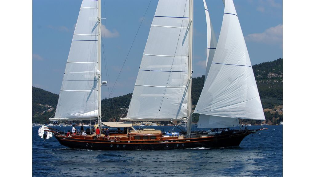 sailing-yacht-ilios