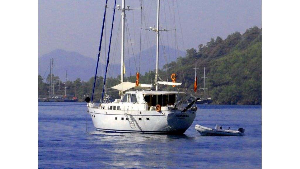 Sailing_Yacht_Acanthus_-(1)