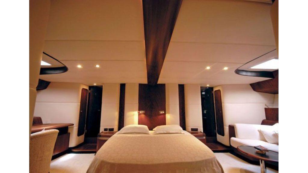 Sailing_Yacht_Rozinante_-(11)