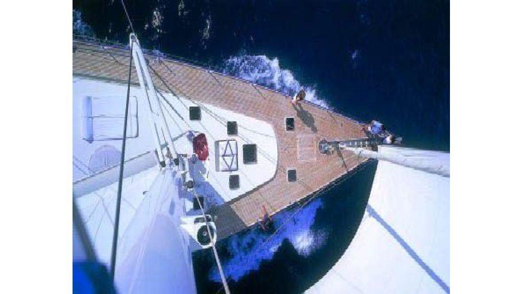 Sailing_Yacht_Rozinante_-(4)