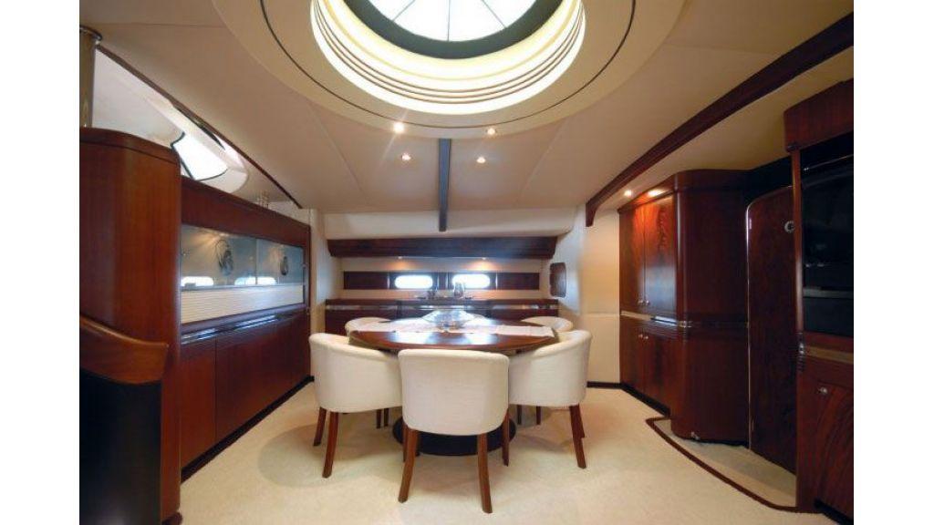 Sailing_Yacht_Rozinante_-(6)