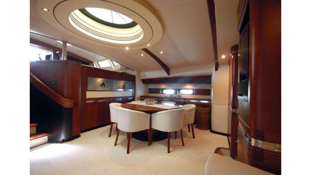 Sailing_Yacht_Rozinante_-(7)