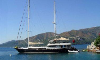 Sailing_yacht_Suheyla_Sultan