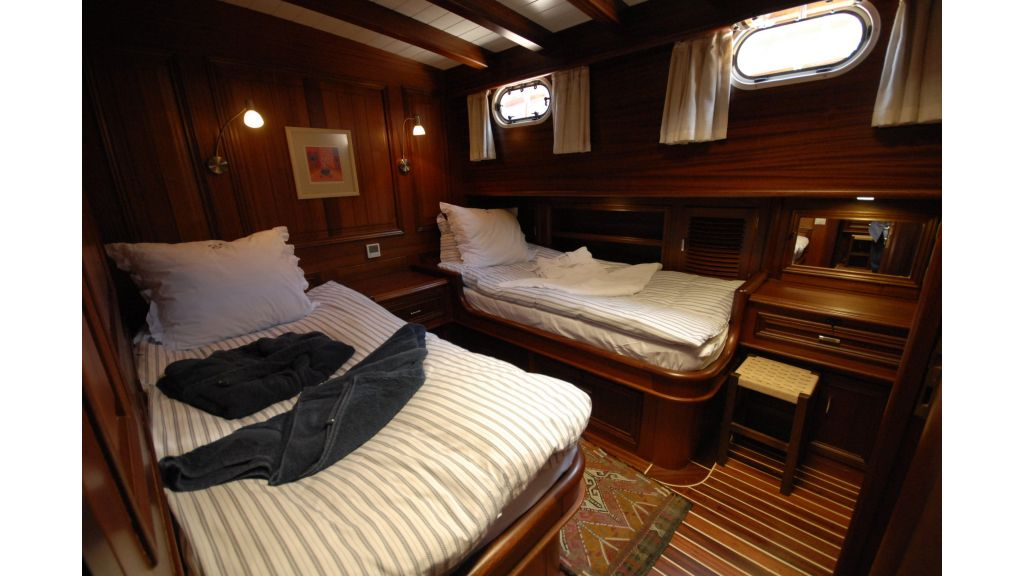 Samarkand 1 sailing yacht