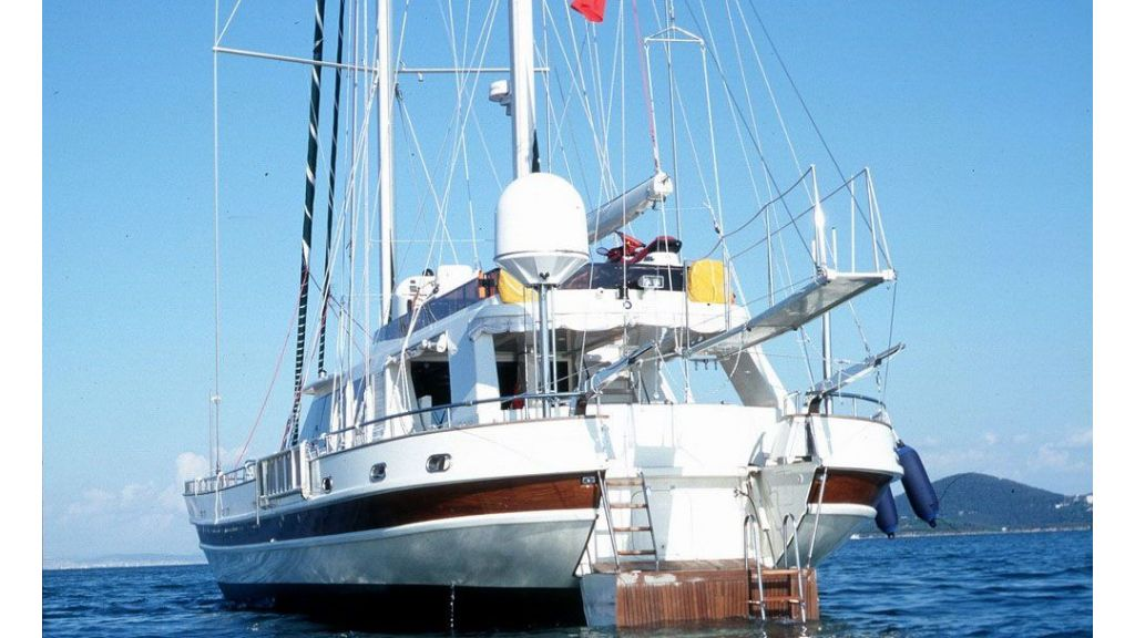 Sea_beauty-luxury sailing yacht master