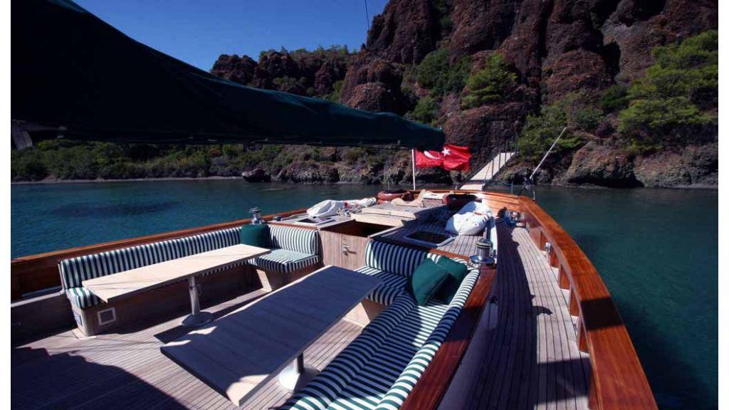 Vongole Luxury motor sailor master