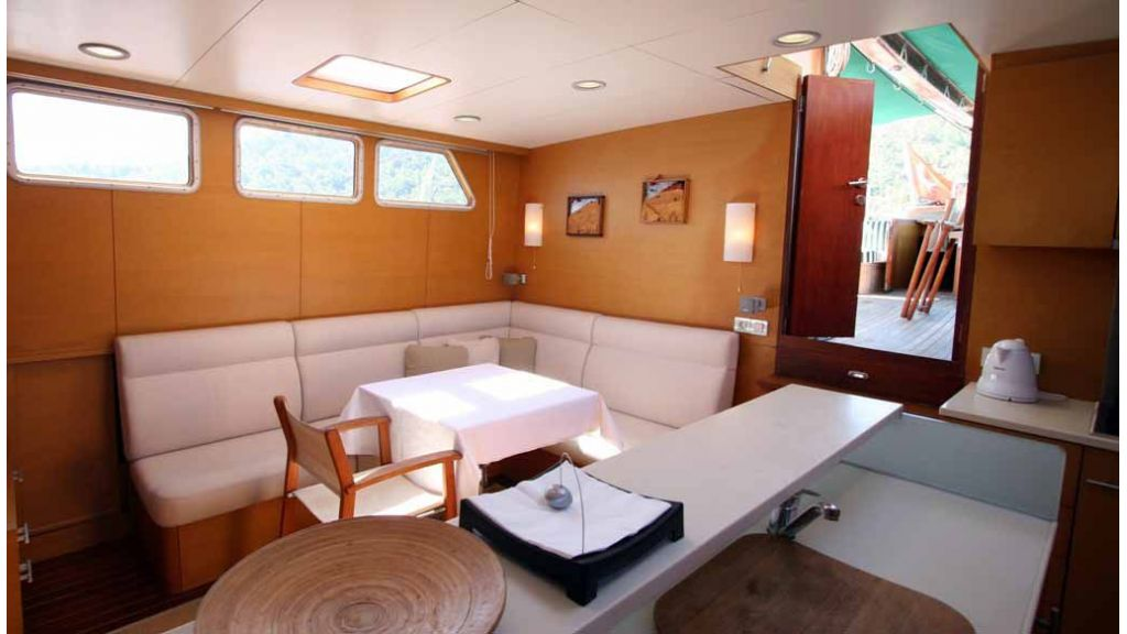 Vongole Luxury yacht master