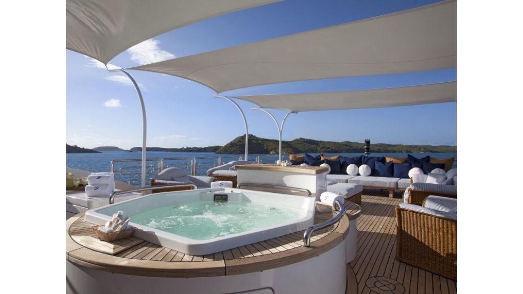 Yacht Starfire Sun-Deck