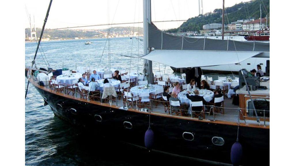 Sailing_yacht_sureya (2)