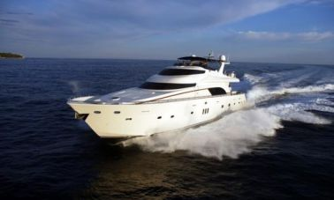 Luxury_motoryacht_for_sale (2)