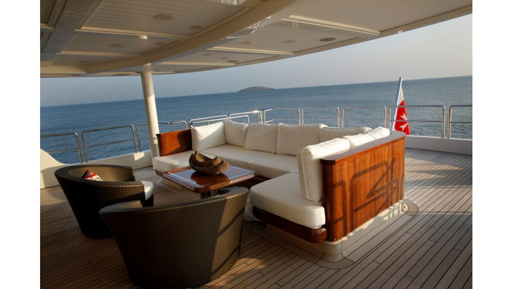 Owner's_cabin_deck