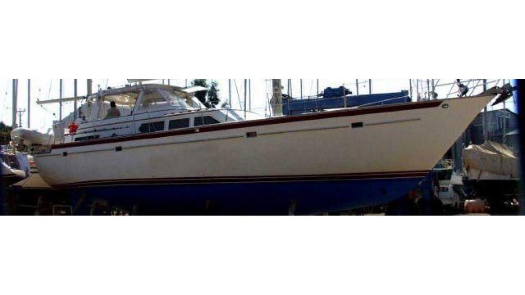Sailing_yacht-(33)