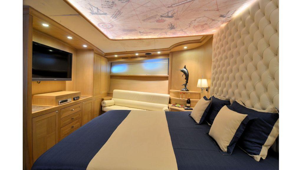 Blue Heaven - Forward VIP Room (2)