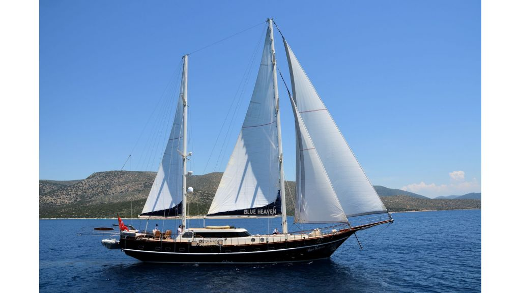 Blue Heaven - Sailing 5