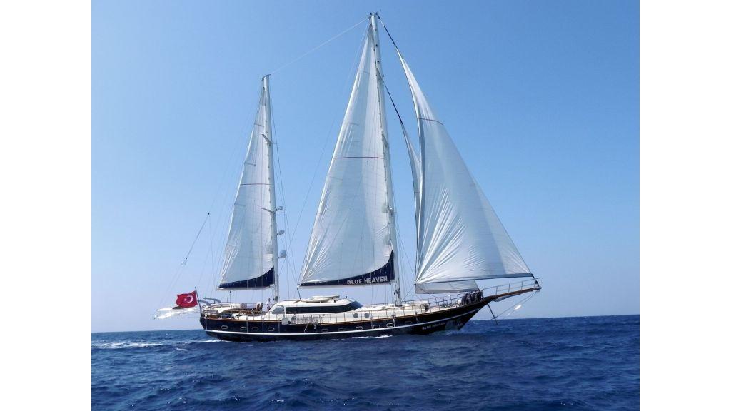 Blue Heaven - Sailing 7