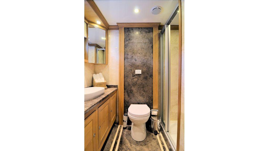 Blue Heaven - Single Room Bath Room