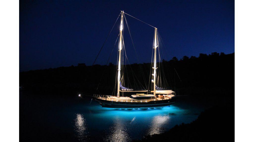 Blue Heaven - Under Water Lights On 2