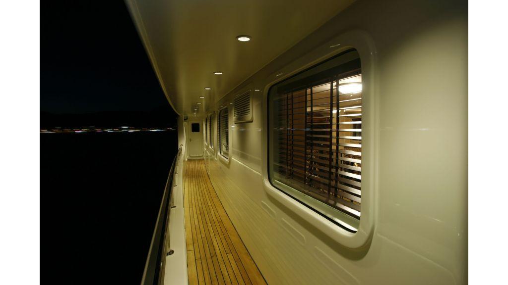 Explorer class motor yacht (11)