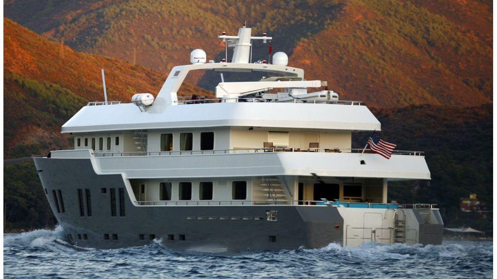 Explorer class motor yacht (4)