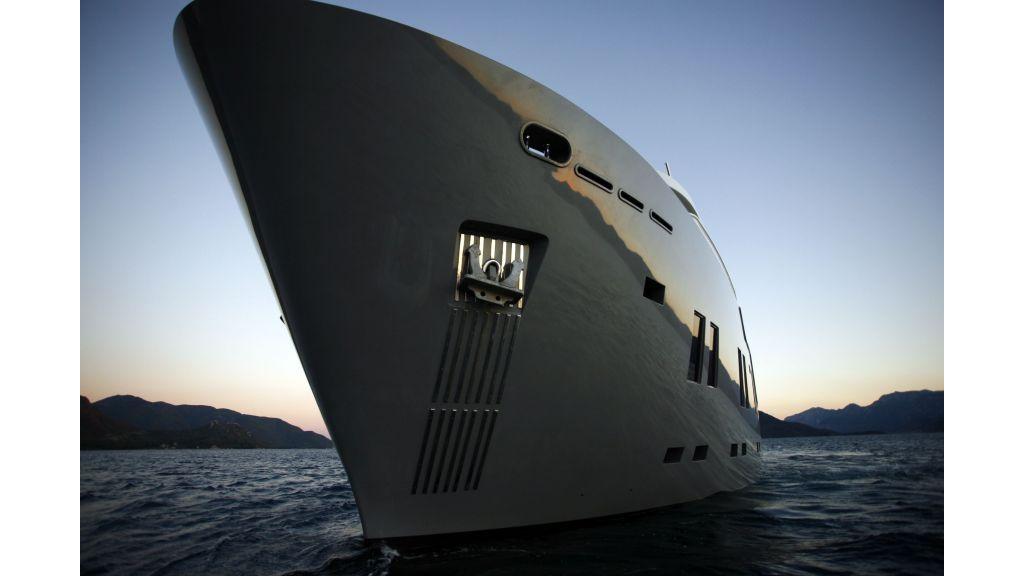 Explorer class motor yacht (6)