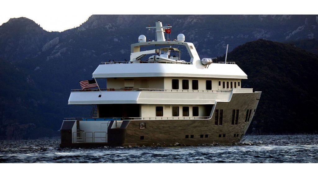 Explorer-class-motor yacht master
