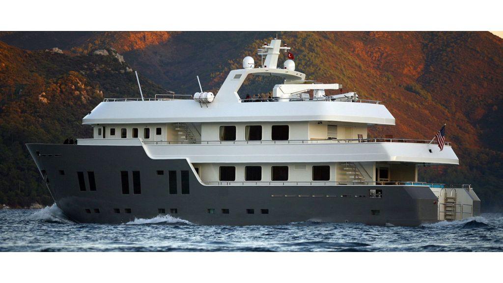 Explorer-class-motoryacht master