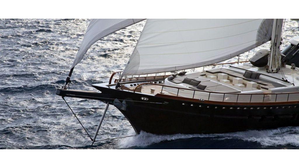 Infinity-luxury-yacht-master