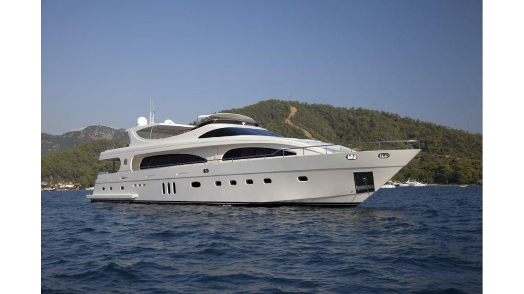 M&M_Motoryacht-main.jpg
