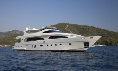 M&M_Motoryacht-main-master