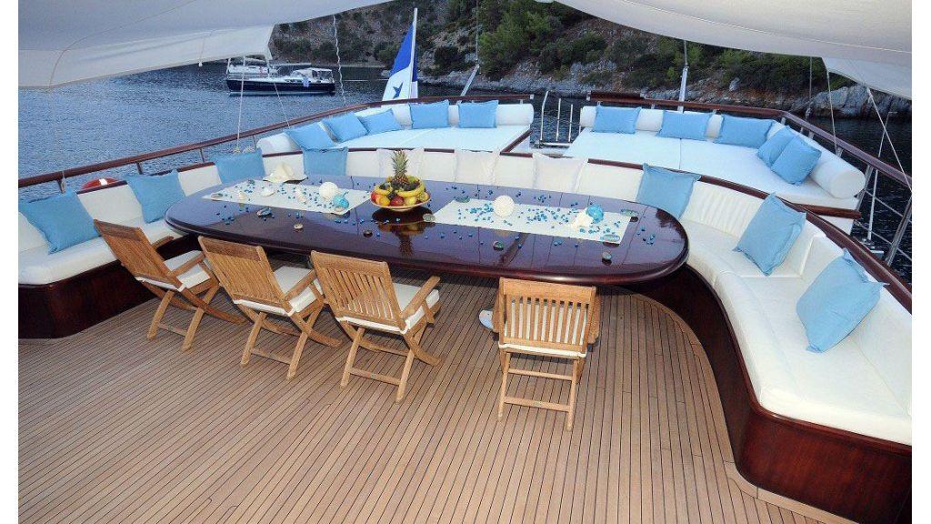 Smile-Luxury-Yacht master