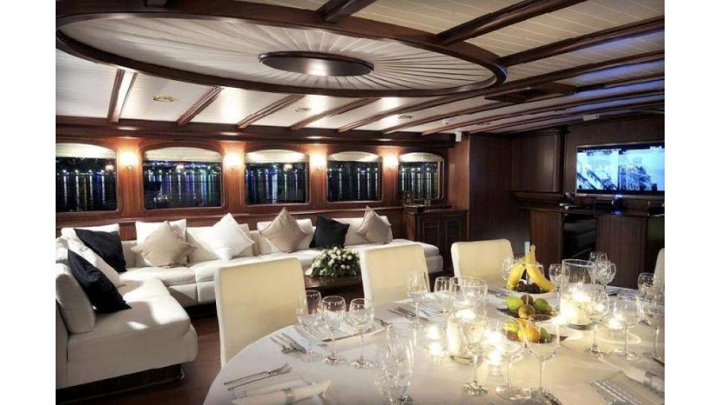 Sailing_yacht_Regina (5)