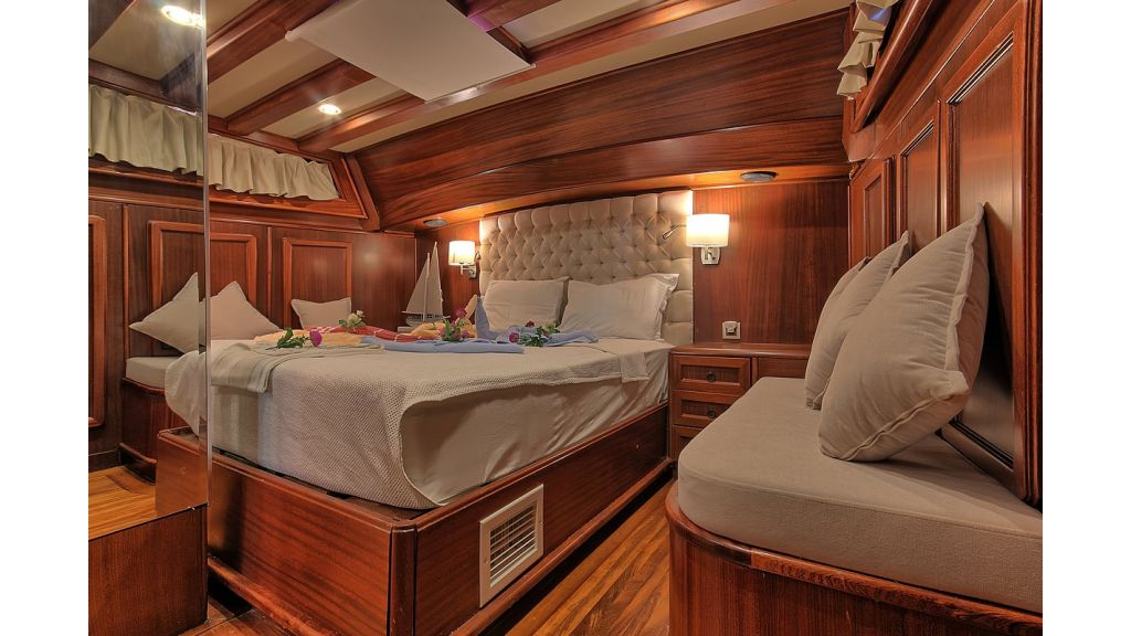 3 Cabins Gulet Romance (23)