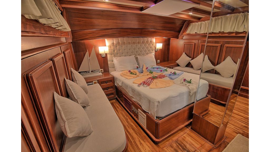 3 Cabins Gulet Romance (24)