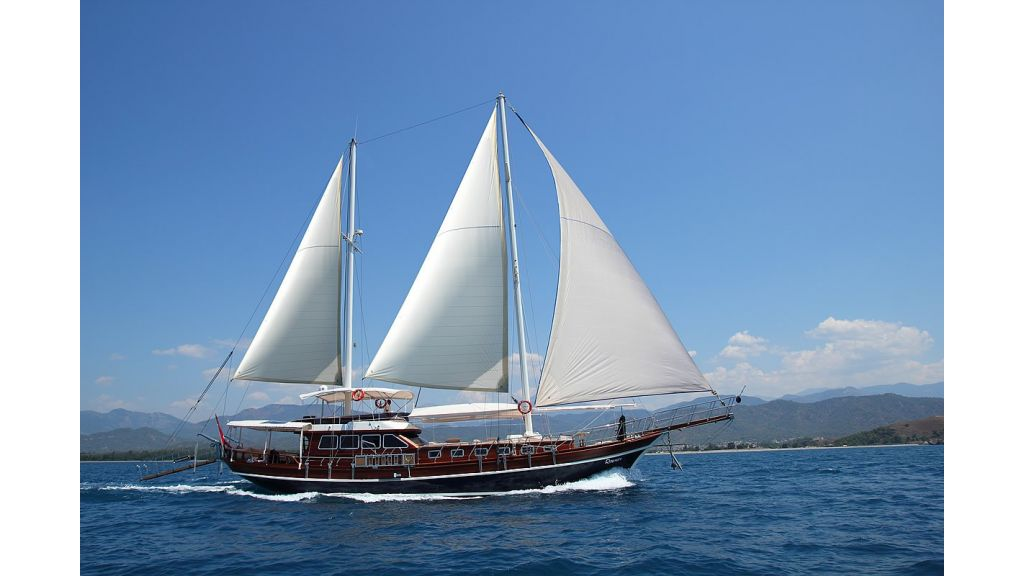 Gulet Romance for charter, 3 cabins (2)