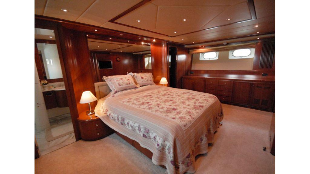 FALCON 115_motoryacht (11)