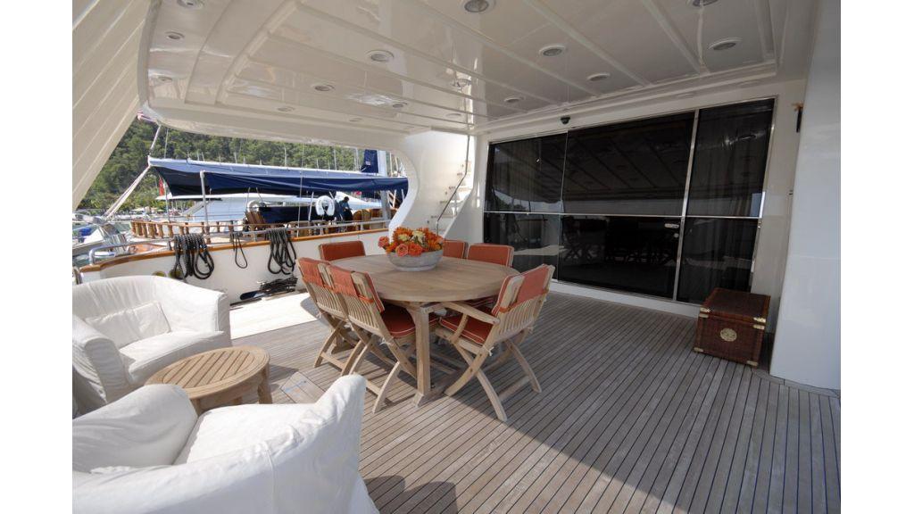FALCON 115_motoryacht (1)
