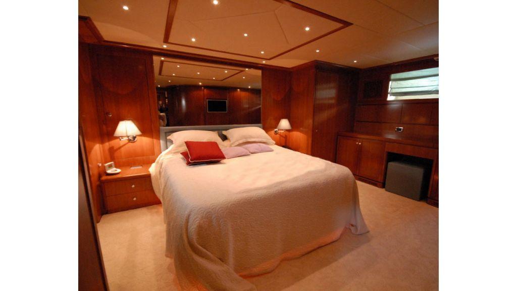 FALCON 115_motoryacht (12)