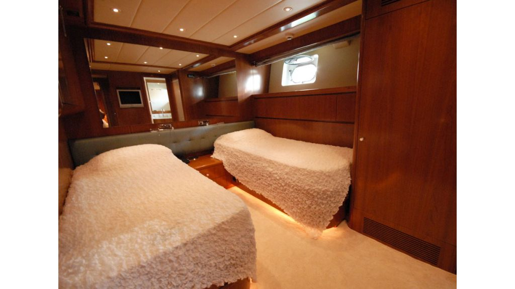 FALCON 115_motoryacht (14)