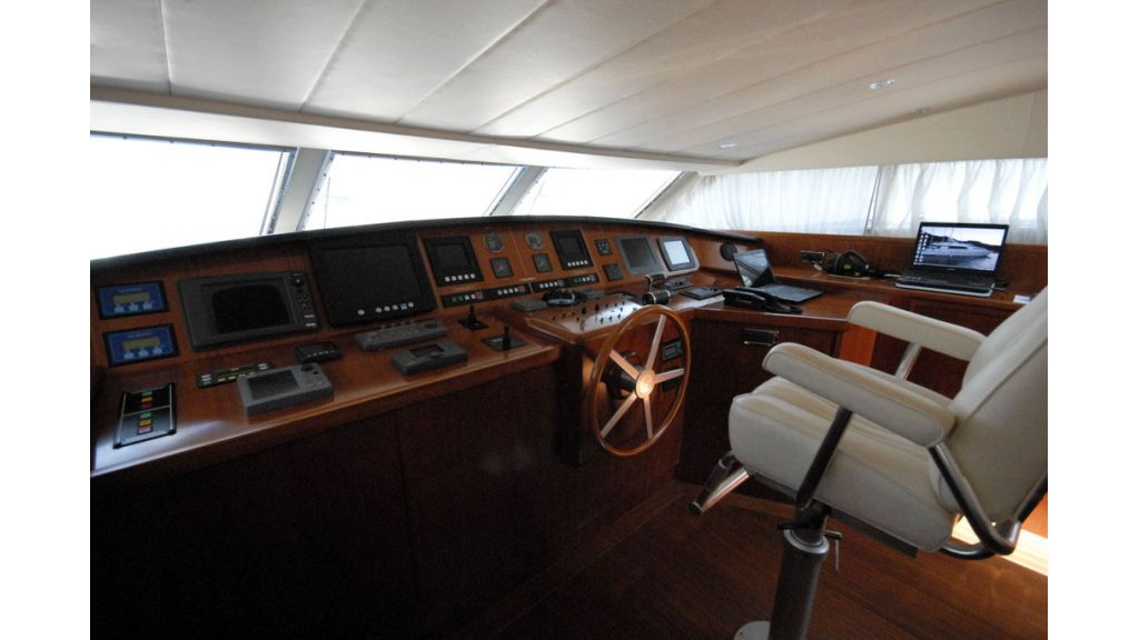 FALCON 115_motoryacht (17)