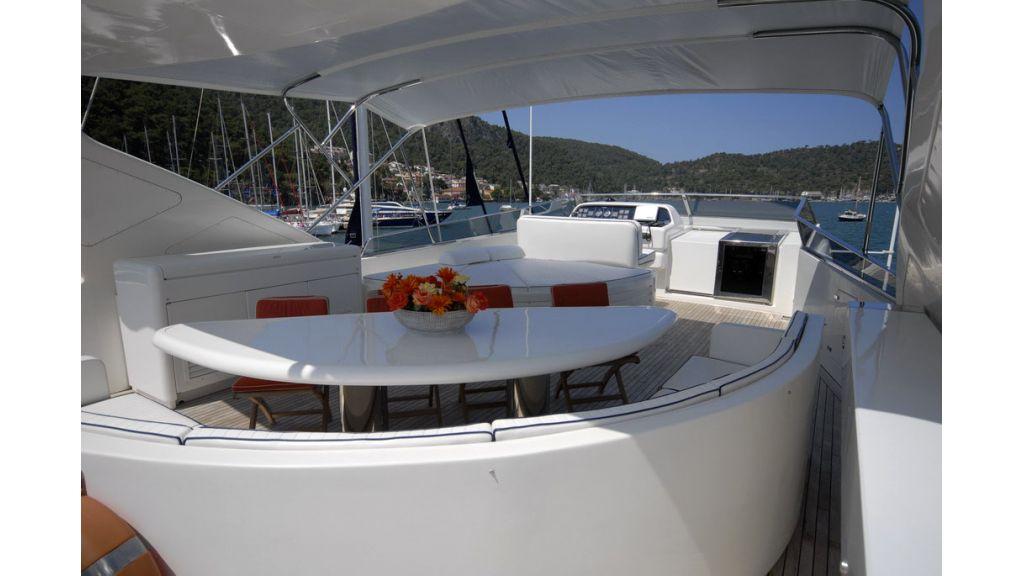 FALCON 115_motoryacht (4)